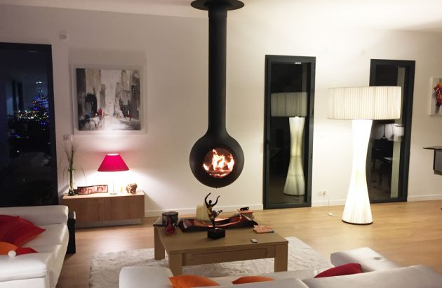central designer fireplace Bathyscafocus Hublot